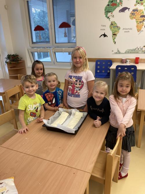 Pečení štrúdlu, ovoce a zelenina
